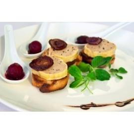 Szarvasgombás kacsamájpástétom fokhagymás pirított baguetten, céklakompóttal - kacsamáj recept